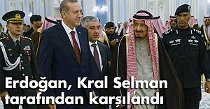 Erdoğan, Kral Selman tarafından karşılandı