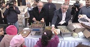 Suriyeli çocuklar için Hamsi Festivali