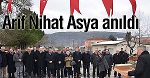 Türk Eğitim-Sen Bayrak Şairini Andı
