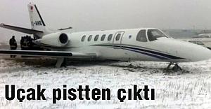 Uçak Pistten Çıktı...