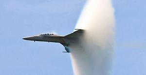Ses duvarını aşan uçak panik oluşturdu