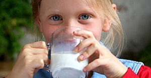 Tam yağlı süt tüketmek daha faydalı!