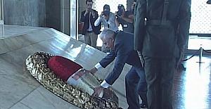 65. Hükümet Anıtkabir'i ziyaret etti