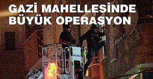 Gazi'de helikopter destekli operasyon