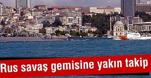 Rus savaş gemisine yakın takip