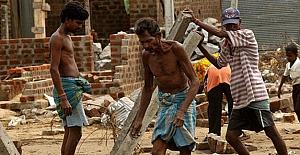 Sri Lanka'da 92 cansız bedene ulaşıldı