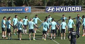 A Milli Takım Çek Cumhuriyeti maçı hazırlıklarını sürdürdü