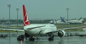 Atatürk Havalimanı'nda uçuşlar durduruldu