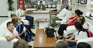 Erdoğan Tok Kıbrıslı Çocukları Ağırladı
