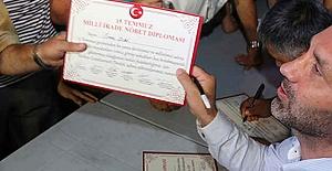 'Milli İrade Diploması' Dağıtan Kaymakam Gözaltına Alındı