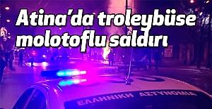 Atina'da Troleybüslere Saldırı
