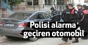 Polisi Alarma Geçiren Otomobil