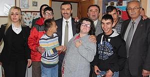 Sarıcaoğlu'ndan 3 Aralık Dünya Engelliler Günü Mesajı