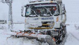 Tekkeköy'de karla mücadele