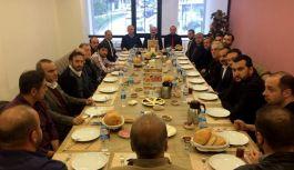 Erhan Usta; Kahvaltı Programında Esnaf Sorunlarını Dinledi