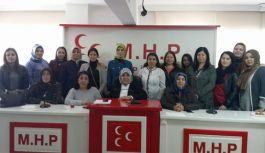 Gaziantep'te MHP'li kadınlar 'evet' için toplandı