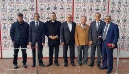 Gaziler ve Gazeteciler Manisa Şehitlik abidesini ziyaret etti