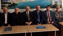 MHP'li Heyet Ayvacık'ta Evet'i anlattı