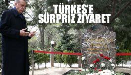 Cumhurbaşkanı Erdoğan'dan Türkeş'in kabrine sürpriz ziyaret