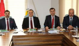MHP Milletvekili Akçay; Manisa Ticaret Odasını Ziyaret Etti