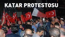 Katar Protestosu: '' Emperyalistler; Katar'dan elinizi çekin''