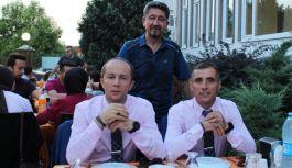 Şükür'den Maratoncularla iftar yemeği