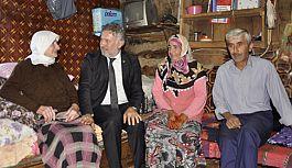 Ayvacık Belediyesi'nden Yaşlı Kadına Ev Yardımı
