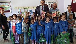 MHP ilçe Teşkilatından Öğrencilere Yardım