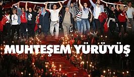 Antalya'da Dev Türk Bayrağıyla 4 Kilometre Yürüdüler