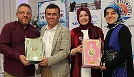 Taşçı Hacılara Kuran ve Türk Bayrağı Hediye Etti
