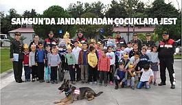 Samsun'da  Jandarmadan Çocuklara Jest