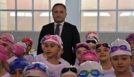 """""""Geleceğe Kulaç Atıyoruz"""" Projesi Türkiye 1.sİ Oldu"""
