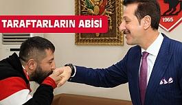 Taraftarın Abisi Erdoğan Tok