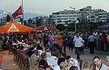 İskenderun'da iskelede iftar