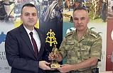 Tugay Komutanı Albay Dere'den Şehit Ailelerine ziyaret
