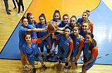 İlkadım U18 Bayan Basketbolcuları 3'lük Basketlerle Farklı Skora Gitti