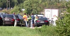 50 mülteci kamyon kasasında ölü bulundu