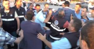 Ak Partililerle Zabıta arasında 'lokma' kavgası