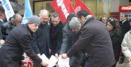 Aydın'da memurlar maaş bordrolarını yaktı