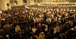 Azerbaycan'da Ramazan Bayramı namazı 18 Temmuz'da kılınacak