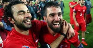 Azeri spiker gol sevinci ile adeta kendinden geçti
