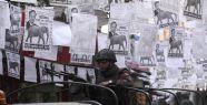 Bengladeş'te Polis eylemcilere ateş açtı...