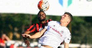 Beşiktaş, Eskişehir deplasmanından 3 puanı 2-1'le aldı