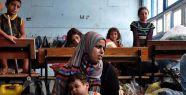 Binlerce Gazzeli okullara sığındı...