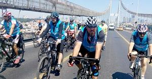 bisikletçiler Boğaz'dan geçti