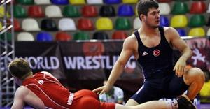 Cengiz Arslan, altın madalya için güreşecek