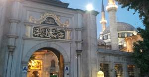 Eyüp Sultan'da Berat Kandili