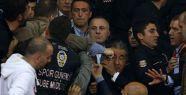 Fenerbahçeli Yöneticiye Yumruk...