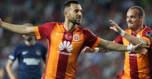 Galatasaray, Mersin'de 1 attı 3 aldı