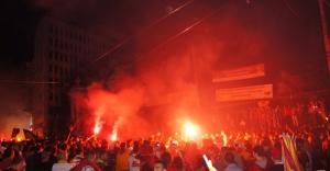Galatasaraylılar şampiyonluğu Taksim'de kutladı